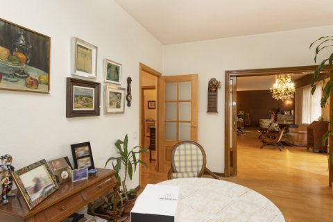 Apartment for sale in Madrid, Spain, 5 bedrooms, 322.00m2, No. 2584 – photo 6