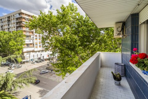 Apartment for sale in Madrid, Spain, 5 bedrooms, 181.00m2, No. 2706 – photo 1