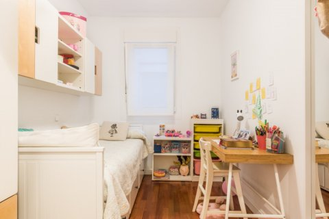 Apartment for sale in Madrid, Spain, 2 bedrooms, 68.00m2, No. 2384 – photo 1