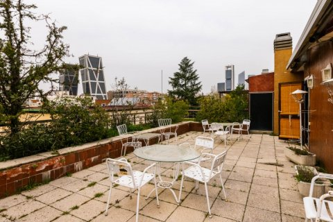 Duplex for sale in Madrid, Spain, 4 bedrooms, 298.00m2, No. 2518 – photo 17