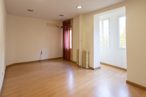 Apartment for sale in Madrid, Spain, 3 bedrooms, 120.00m2, No. 2439 – photo 2