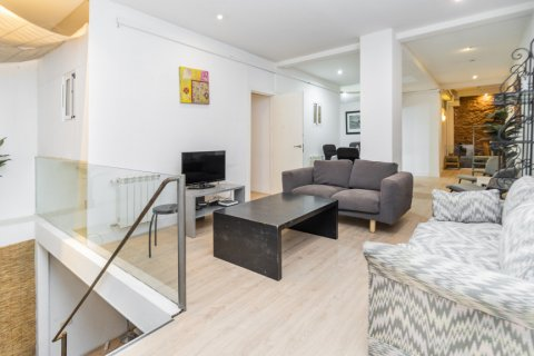 Apartment for sale in Madrid, Spain, 4 bedrooms, 160.00m2, No. 1471 – photo 1