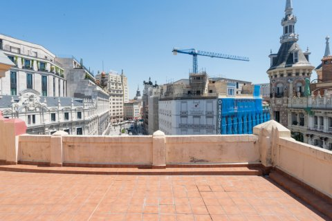 Apartment for sale in Madrid, Spain, 3 bedrooms, 225.78m2, No. 2489 – photo 21