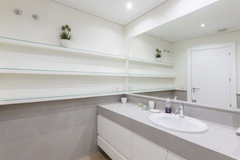 Apartment for sale in Madrid, Spain, 4 bedrooms, 330.00m2, No. 2353 – photo 23