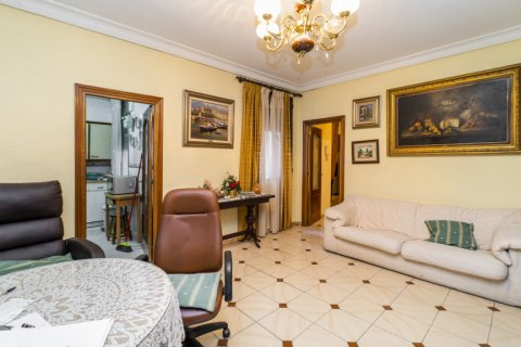 Apartment for sale in Madrid, Spain, 5 bedrooms, 133.00m2, No. 2686 – photo 22