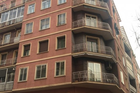 Apartment for sale in Madrid, Spain, 3 bedrooms, 90.00m2, No. 2050 – photo 2