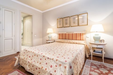 Apartment for sale in Madrid, Spain, 4 bedrooms, 189.00m2, No. 2370 – photo 26