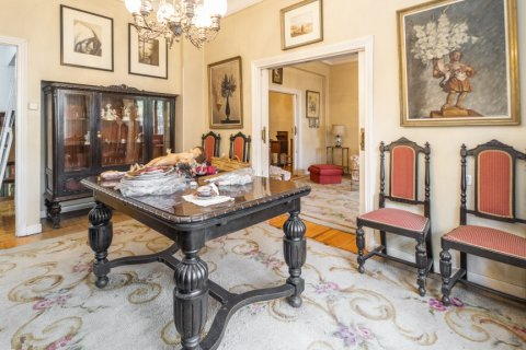 Apartment for sale in Madrid, Spain, 5 bedrooms, 168.00m2, No. 2313 – photo 11
