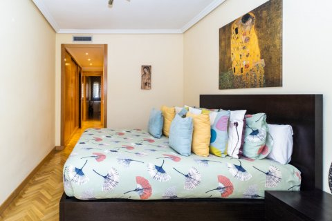 Apartment for sale in Madrid, Spain, 4 bedrooms, 122.51m2, No. 2192 – photo 23