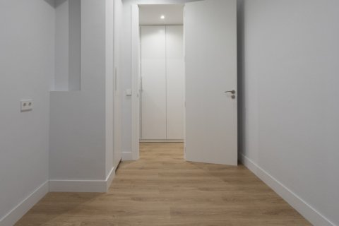 Apartment for sale in Madrid, Spain, 3 bedrooms, 136.00m2, No. 2007 – photo 20