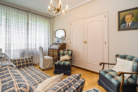 Apartment for sale in Madrid, Spain, 5 bedrooms, 181.00m2, No. 2706 – photo 18