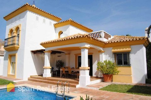 Spanish real estate sector strengthens its positive trend for the third consecutive month