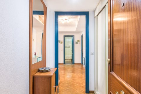 Apartment for sale in Madrid, Spain, 2 bedrooms, 60.00m2, No. 2374 – photo 7