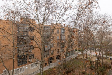 Apartment for sale in Madrid, Spain, 3 bedrooms, 121.00m2, No. 2521 – photo 27