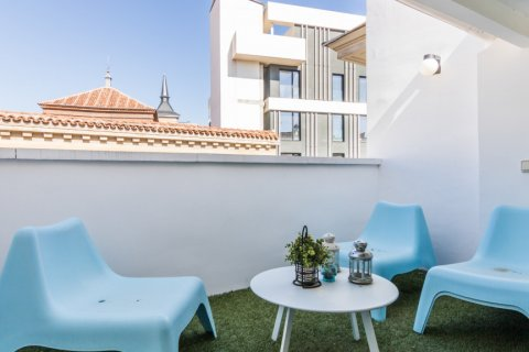 Penthouse for sale in Madrid, Spain, 2 bedrooms, 71.00m2, No. 2048 – photo 16
