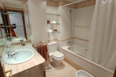 Apartment for rent in Marbella, Malaga, Spain, 2 bedrooms, 120.00m2, No. 2568 – photo 5