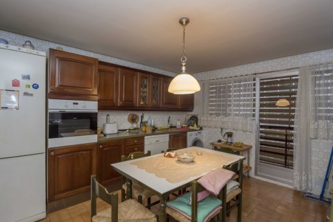 Apartment for sale in Madrid, Spain, 6 bedrooms, 216.00m2, No. 2002 – photo 2