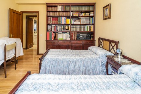 Apartment for sale in Madrid, Spain, 4 bedrooms, 152.00m2, No. 2316 – photo 22