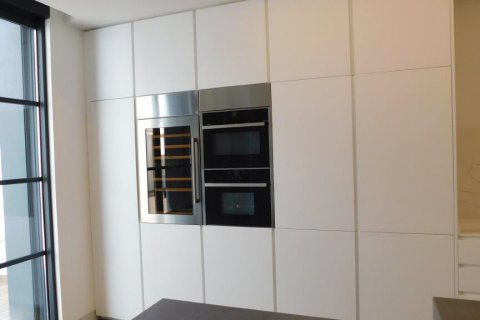 Apartment for rent in Madrid, Spain, 3 bedrooms, 300.00m2, No. 1576 – photo 30