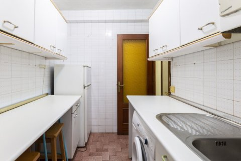 Apartment for sale in Madrid, Spain, 3 bedrooms, 69.00m2, No. 2244 – photo 26