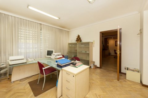 Apartment for sale in Madrid, Spain, 4 bedrooms, 206.00m2, No. 2284 – photo 10