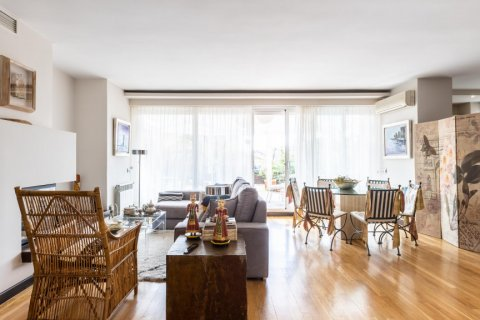 Apartment for sale in Madrid, Spain, 5 bedrooms, 201.00m2, No. 2311 – photo 8