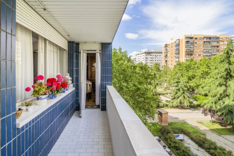 Apartment for sale in Madrid, Spain, 5 bedrooms, 181.00m2, No. 2706 – photo 2
