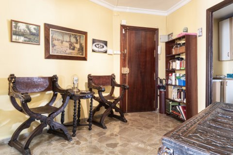 Apartment for sale in Malaga, Spain, 6 bedrooms, 210.00m2, No. 2340 – photo 7
