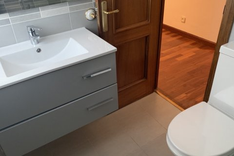 Apartment for rent in Madrid, Spain, 5 bedrooms, 279.00m2, No. 1462 – photo 12