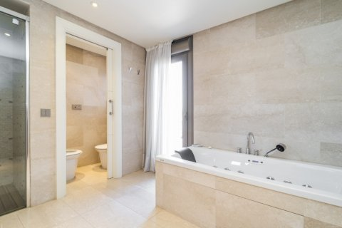 Penthouse for sale in Madrid, Spain, 3 bedrooms, 239.00m2, No. 1699 – photo 22