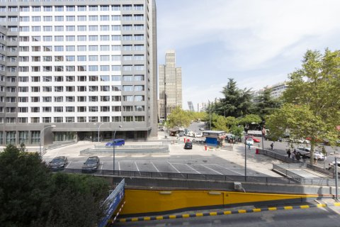 Apartment for sale in Madrid, Spain, 3 bedrooms, 127.00m2, No. 2281 – photo 30