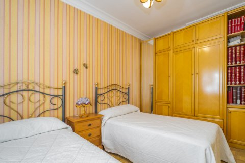 Apartment for sale in Madrid, Spain, 3 bedrooms, 78.00m2, No. 2688 – photo 19