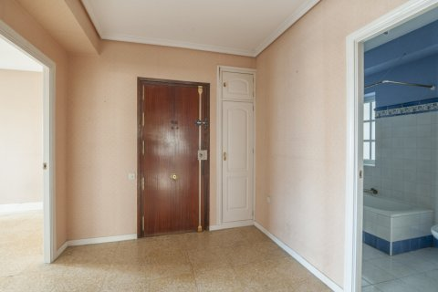 Apartment for sale in Sevilla, Seville, Spain, 5 bedrooms, 204.00m2, No. 2637 – photo 23