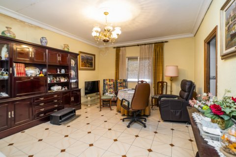 Apartment for sale in Madrid, Spain, 5 bedrooms, 133.00m2, No. 2686 – photo 19