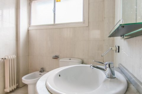 Apartment for sale in Madrid, Spain, 4 bedrooms, 261.00m2, No. 1652 – photo 16