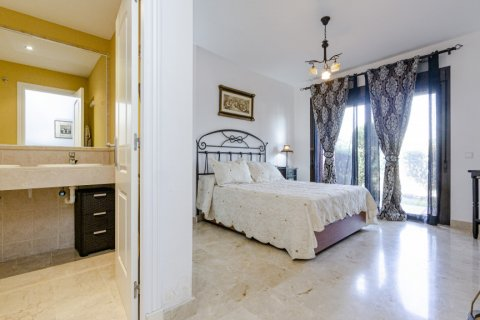Apartment for sale in Buenas Noches, Malaga, Spain, 2 bedrooms, 104.54m2, No. 2725 – photo 10