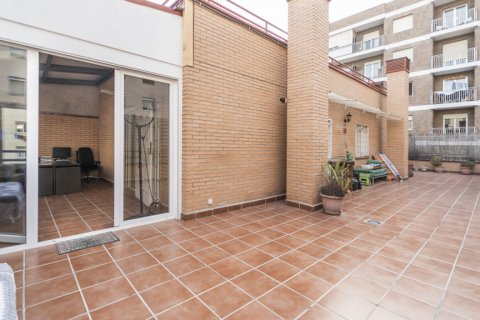 Penthouse for sale in Madrid, Spain, 2 bedrooms, 91.00m2, No. 2113 – photo 1