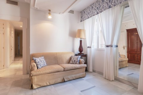 Apartment for sale in Malaga, Spain, 3 bedrooms, 229.00m2, No. 2351 – photo 17