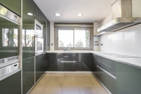 Penthouse for sale in Madrid, Spain, 3 bedrooms, 239.00m2, No. 1699 – photo 9