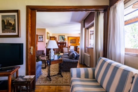 Apartment for sale in Madrid, Spain, 6 bedrooms, 355.00m2, No. 2376 – photo 6