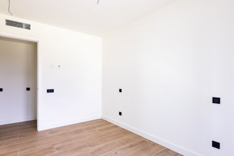 Apartment for sale in Madrid, Spain, 3 bedrooms, 168.00m2, No. 2464 – photo 16