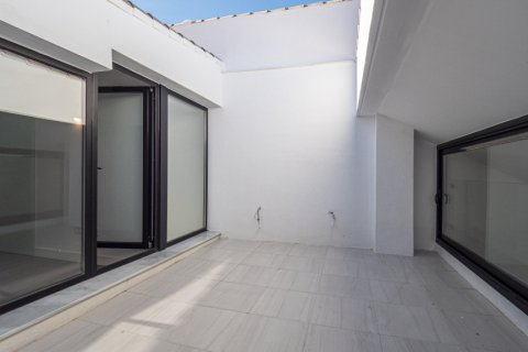 Duplex for sale in Malaga, Spain, 2 bedrooms, 158.00m2, No. 2412 – photo 3