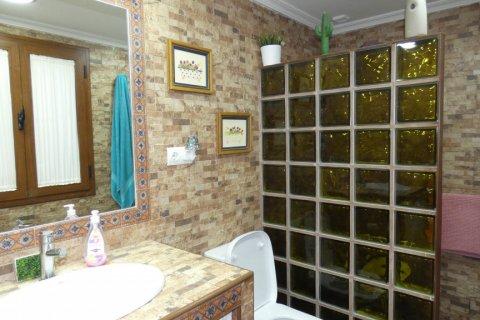 Duplex for sale in Cadiz, Spain, 3 bedrooms, 187.00m2, No. 1611 – photo 25