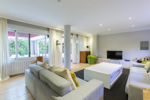 Apartment for sale in Madrid, Spain, 4 bedrooms, 330.00m2, No. 2353 – photo 5