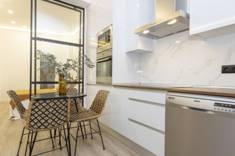 Apartment for sale in Madrid, Spain, 1 bedroom, 50.00m2, No. 2723 – photo 18