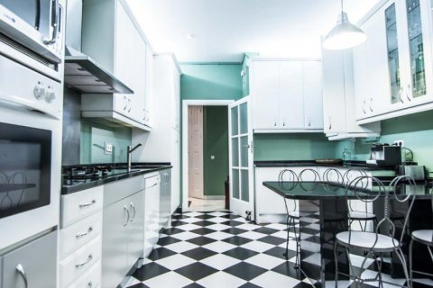 Apartment for sale in Madrid, Spain, 4 bedrooms, 230.00m2, No. 1672 – photo 18