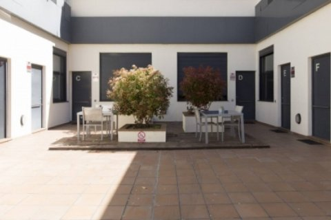 Duplex for sale in Madrid, Spain, 1 bedroom, 55.00m2, No. 2367 – photo 1