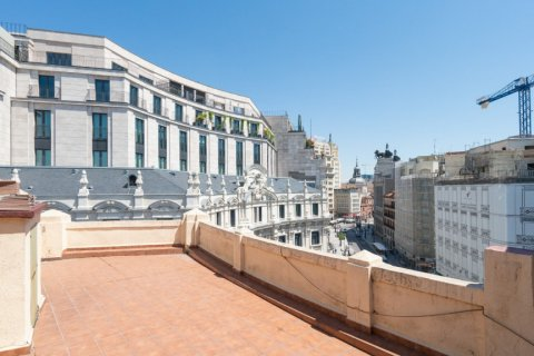 Apartment for sale in Madrid, Spain, 3 bedrooms, 225.78m2, No. 2489 – photo 1