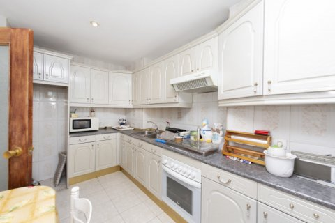 Apartment for sale in Madrid, Spain, 3 bedrooms, 90.00m2, No. 2414 – photo 23