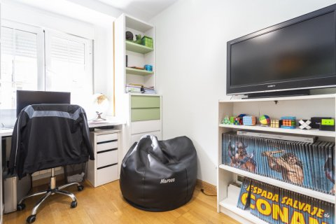 Apartment for sale in Madrid, Spain, 3 bedrooms, 93.00m2, No. 2248 – photo 11